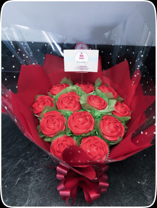 red cupcake flower bouquet