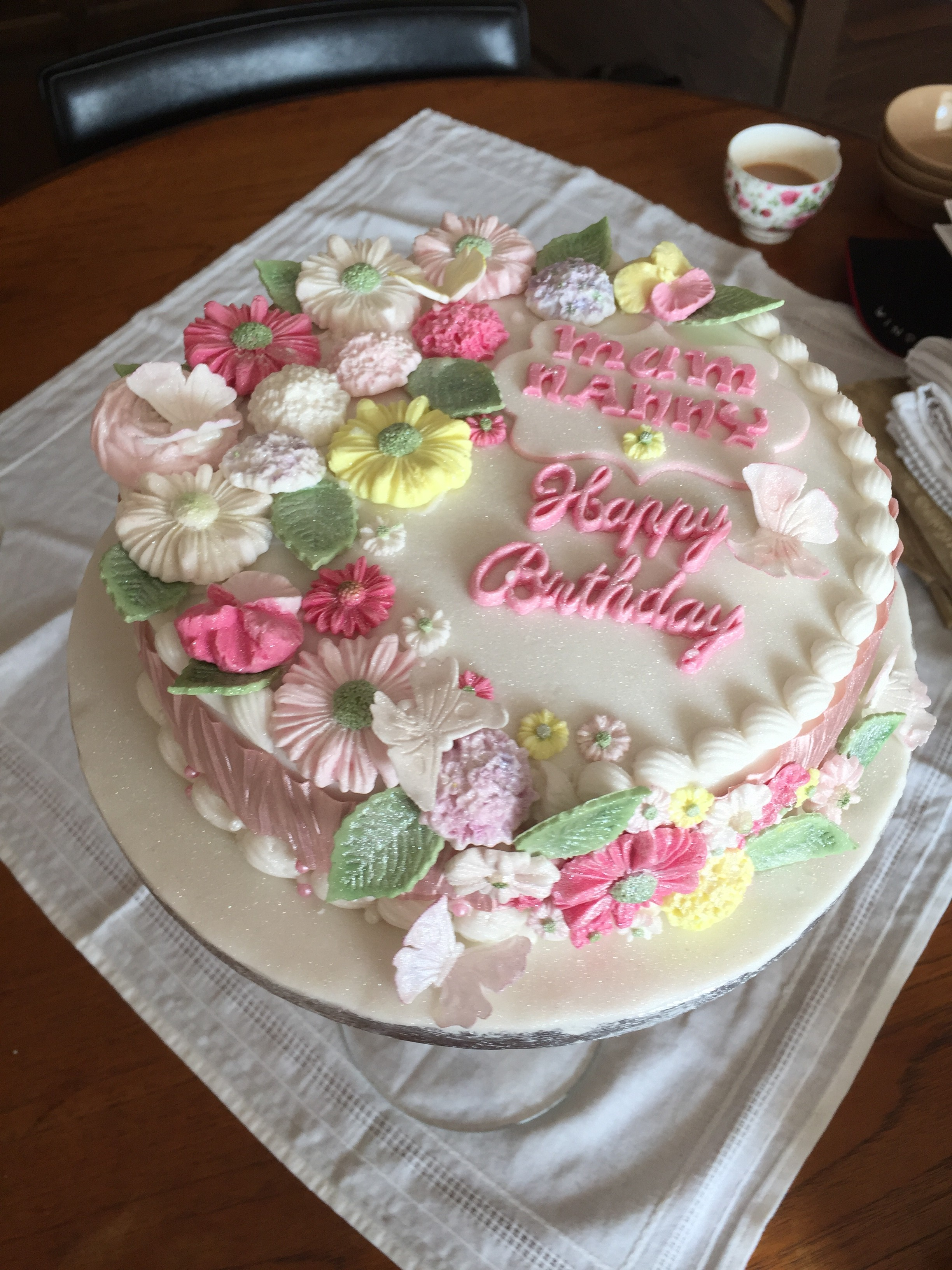 Pleasing Looking To Order Cake Online In Sittingbourne Mums Bake Cakes Funny Birthday Cards Online Hendilapandamsfinfo