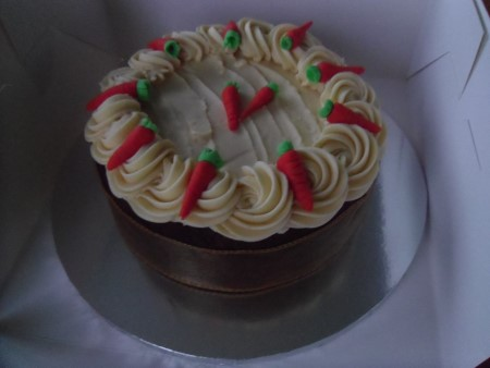 Image of carrot cake from Island Cupcakes