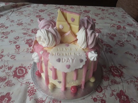 Mothers day / birthday cake