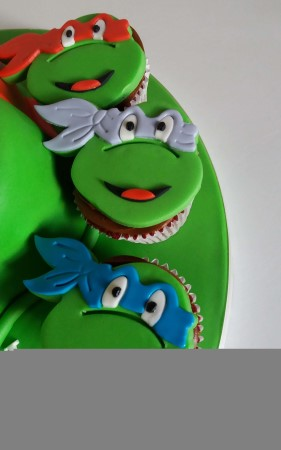 Kids character cupcakes