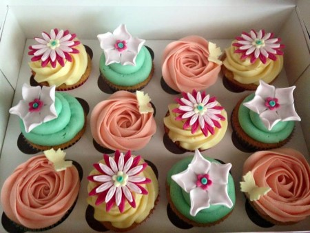 Summer Flowers Vanilla Flavoured Cupcakes