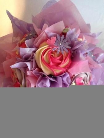 Pink & Lilac Cupcake bouquet - vanilla flavoured