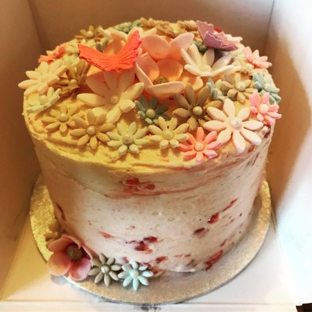 Strawberry & Vanilla Buttercream Cake