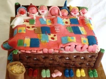 7 dwarves cake