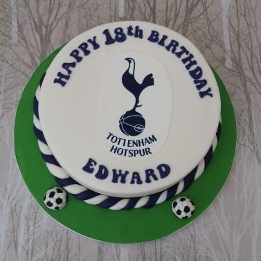 Football logo cake - Tottenham Hotspur