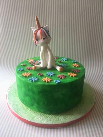 Baby Unicorn theme cake