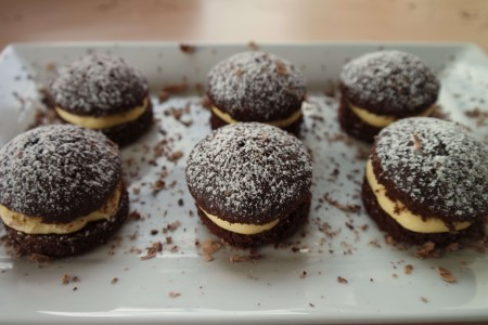 6 Mini Chocolate Sponge Cakes