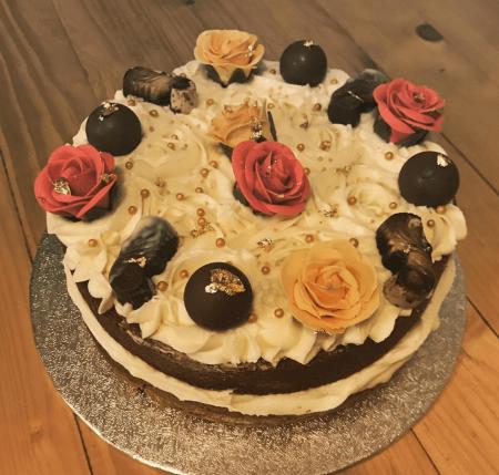 Guylian & Rose Celebration Cake