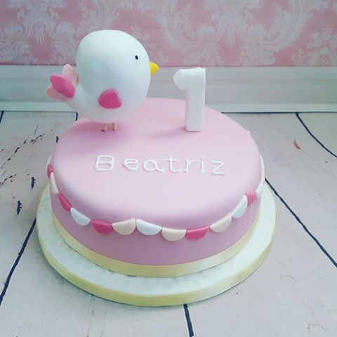 Child's bird birthday cake