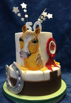 2 tiered horse themed cake