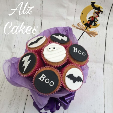 Halloween Gift Idea - Black & White Themed Cupcakes Bouquet (7 cupcakes)