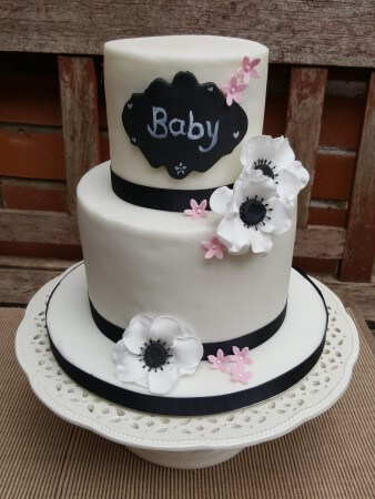 Plaque Baby Shower Cake