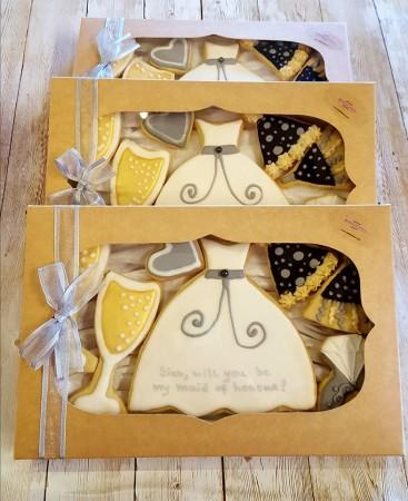 7 Bridesmaid request biscuit box