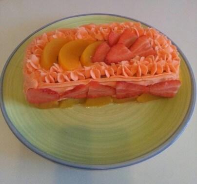 Peach & Strawberry Cake