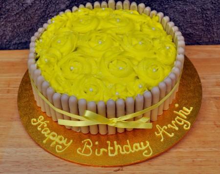 Basket of Buttercream Roses Cake