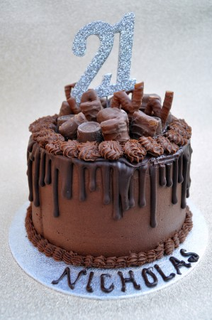 Chocolate Delight Drip Cake
