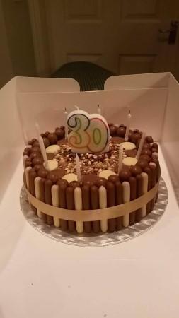 Multi chocolate cake- round