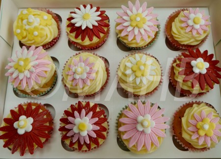 12 Flower  Lemon Cupcakes