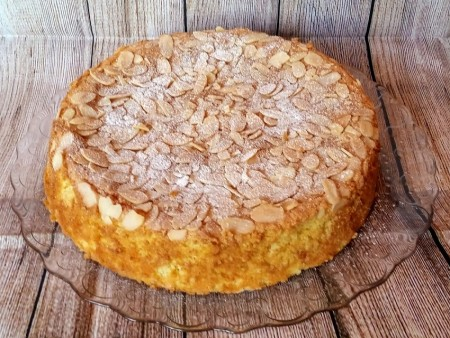 Orange and almond cake (gluten free and dairy free)