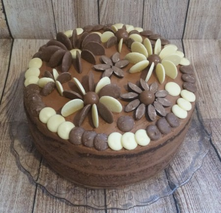 Chocolate cake with floral chocolate decoration