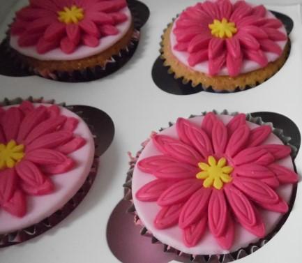 Gluten Free Pink Daisy Cupcakes