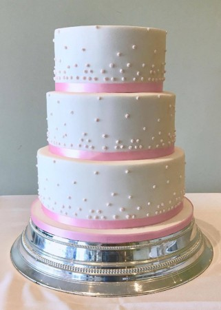 Pearls- ideal celebration cake
