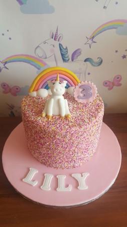 Unicorn cake with sprinkles - Sweet Dreams