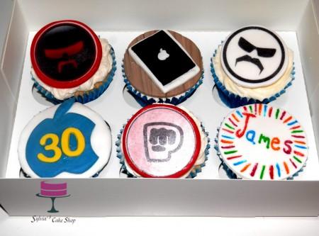 30 Bespoke video game cupcakes