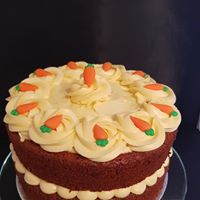 American spiced carrot cake