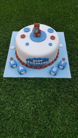 Baby shower with baby blocks cake