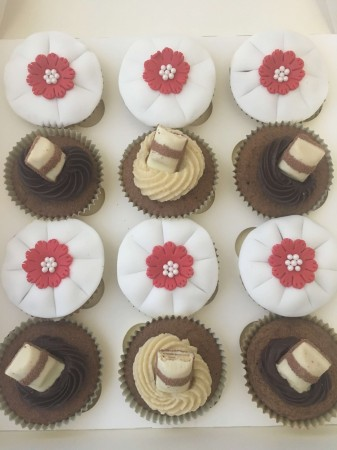 Beuno and flower cupcakes