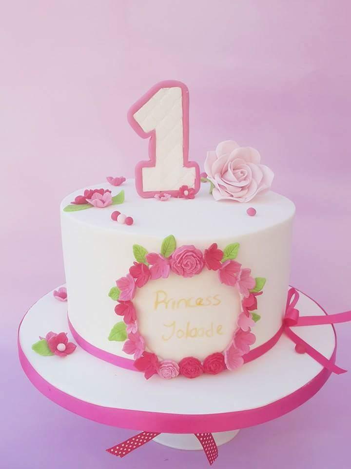 Bespoke Unicorn Cake 10