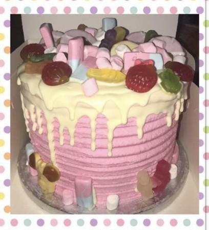 Vanilla drip cake