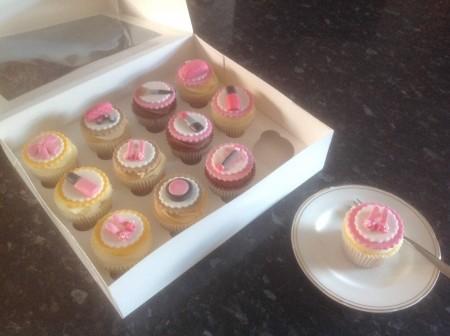 Make up theme cupcakes