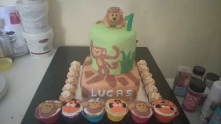 2 tier childrens cake
