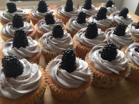 Vanilla and Blackberry Cupcakes