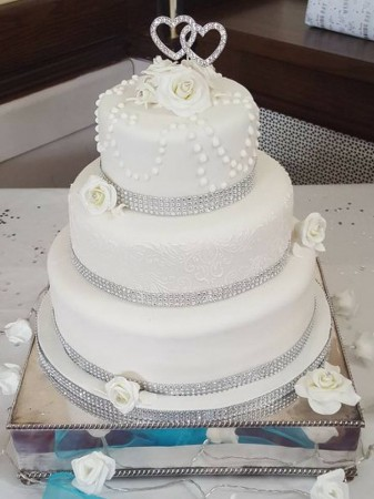 3 Tier Diamante & Pearls