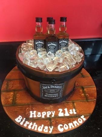 Bucket/barrel alcohol cake