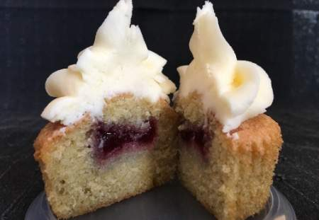 Victoria Style Cupcake