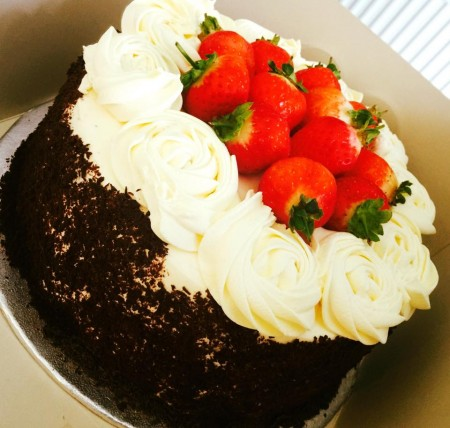 Choco-Strawberry Gateau