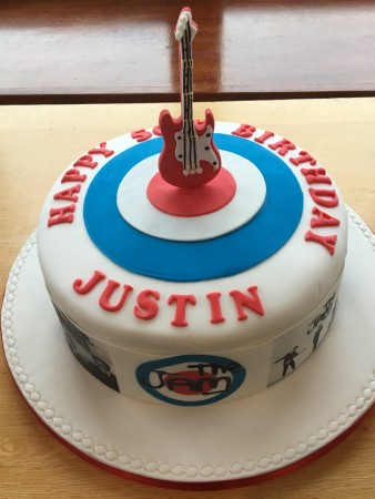 Cakes with music theme
