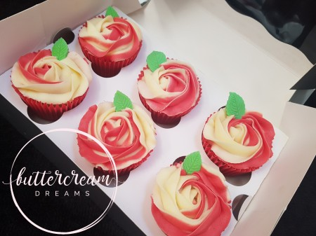 Vanilla & strawberry conserve cupcakes