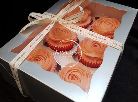 Vanilla & strawberry conserve cupcakes rose