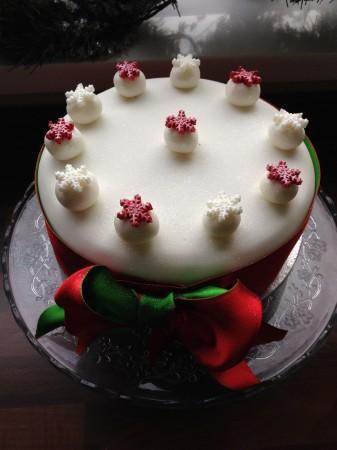 Fondant Iced Tropical Fruit Cake