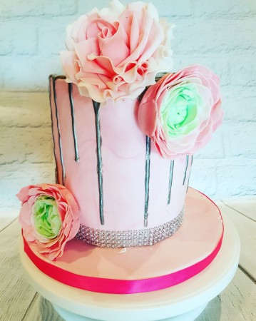 Pretty Floral Drip Cake
