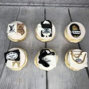 Elegant Cupcakes with Swiss Meringue Buttercream