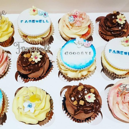Cupcakes with Fondant Toppers