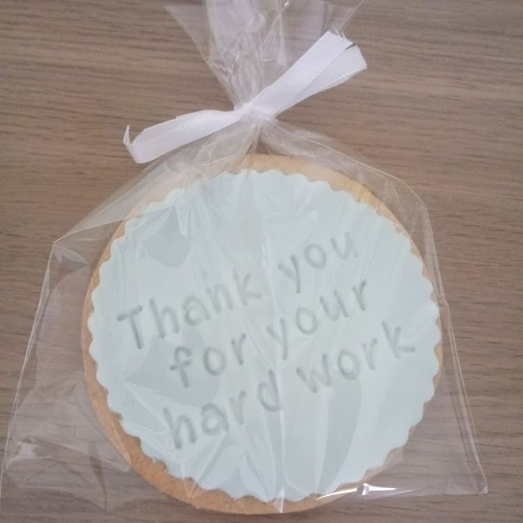 Iced biscuit with a message