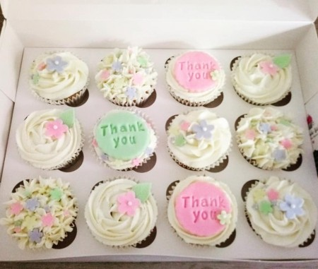 Floral design - Personalised cupcakes